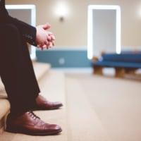 「仕事辞めたい」という気持ちがうつに繋がるかも。辛い気持ちへの対処法とは?
